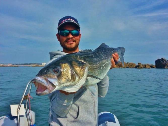 boat fishing Jersey bass