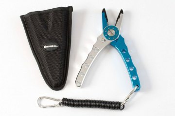 Snowbee Saltwater Pliers lanyard and case
