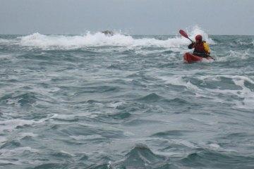 kayak lures breaking waves