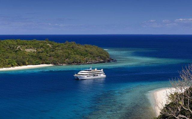 Blue Lagoon Cruise: Mamanuca and Yasawa Islands