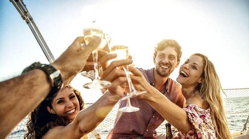 Alquilar un barco con amigos La Herradura