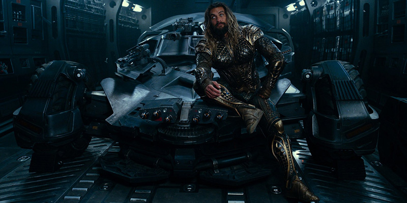 Jason Momoa como Aquaman. Apesar de divertido, o desenvolvimento do herói ficou mesmo para o filme solo.