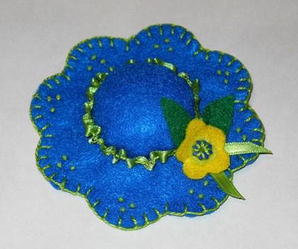 Pin_cushion_hat_2