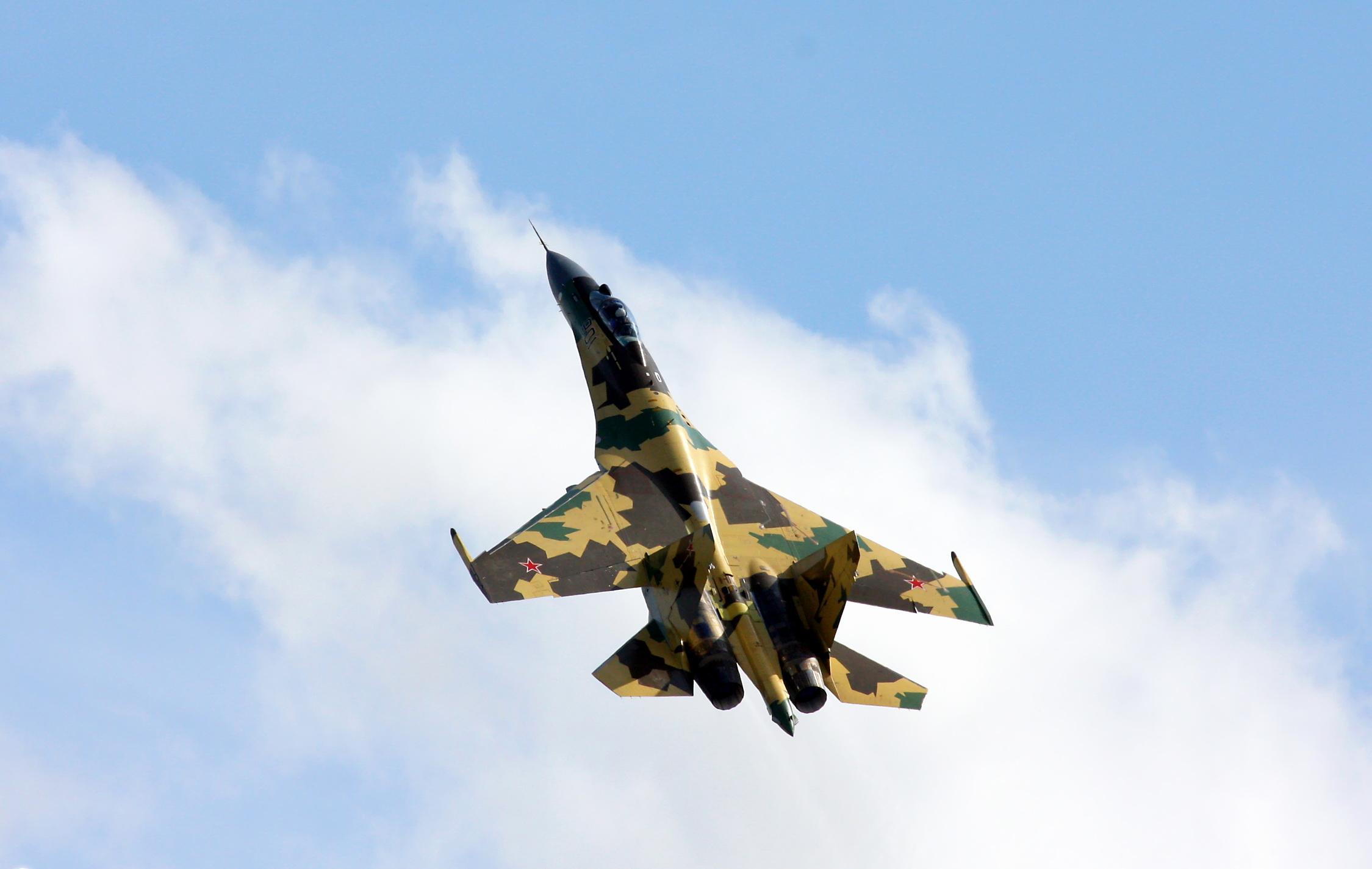 Su-35_(1)