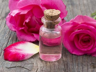 Agua de Rosas, remedio de Salud y Belleza