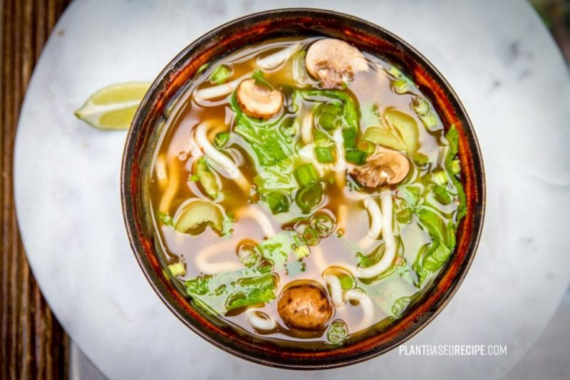 Udon noodles with vegetables in broth