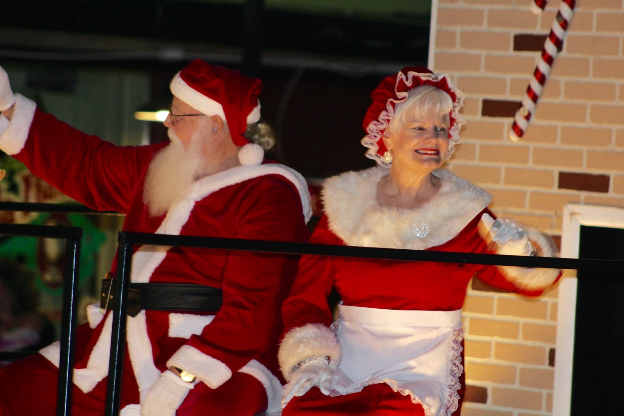 193c1217 At the end of the parade was Santa Claus and Mrs. Claus.