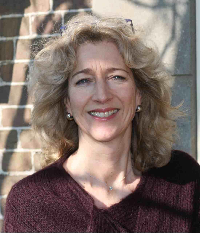 drs. Karin Daum