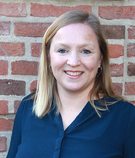 drs. Mariska Kien