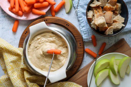vegan smoked gouda fondue