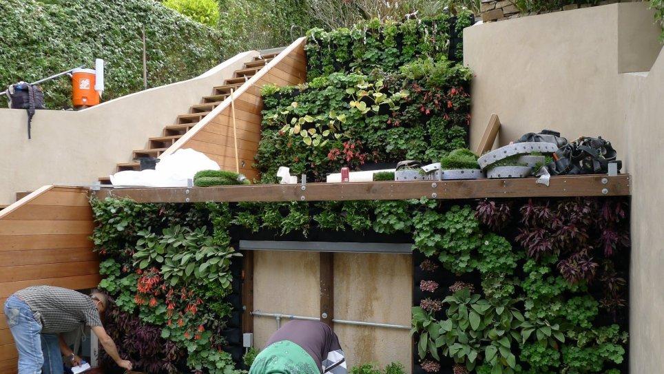 Terraced-Vertical-Garden-Florafelt-System-1