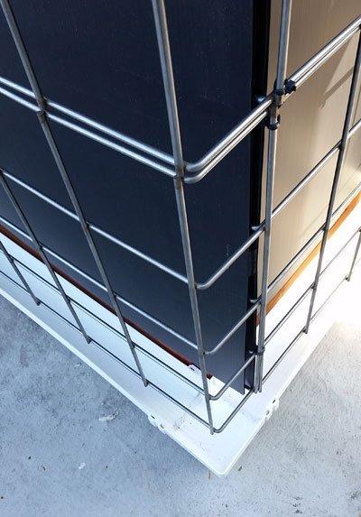 Florafelt Pro System Wire Grid Mounting Corner Detail 2