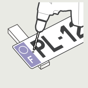Percez la nouvelle plaque d'immatriculation sur les marques faites au stylo