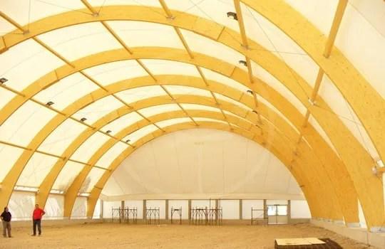 Zeltkonstruktion aus BSH