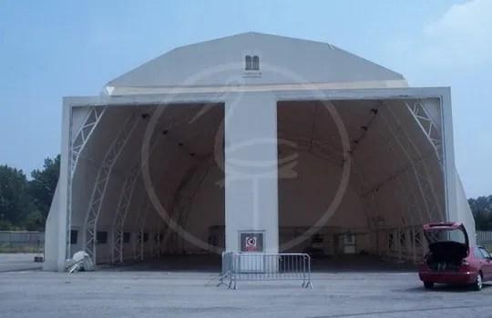 Zeltkonstruktion aus Stahl für Industrieeinfahrt