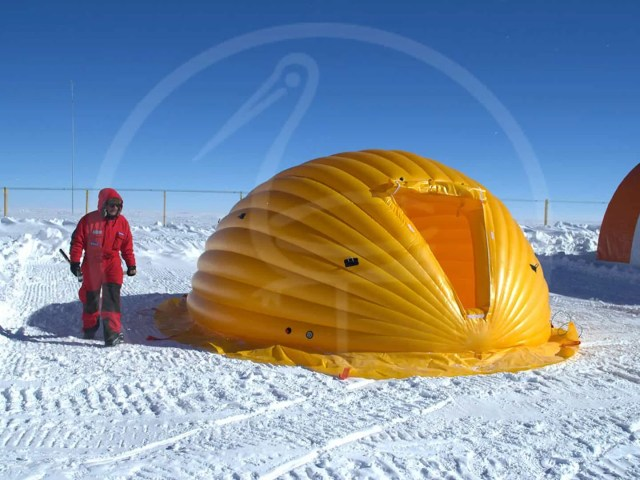 self-supporting pneumatic tent XXIX Italian Antarctic expedition (2013) www.italiantartide.it
