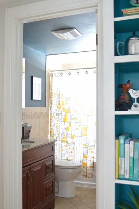 Dark blue bathroom -- Plaster & Disaster