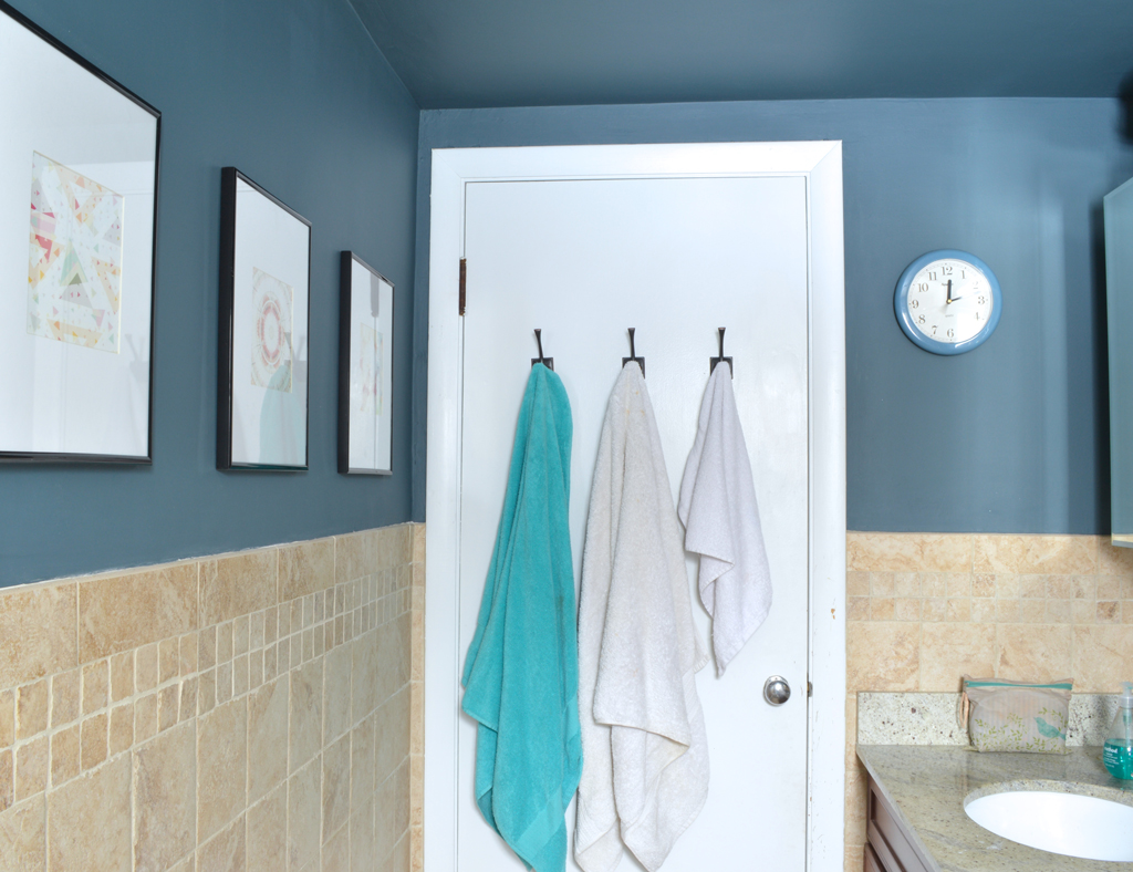 Dressing up the bathroom: $2 art and DIY mat cutting – Plaster ...