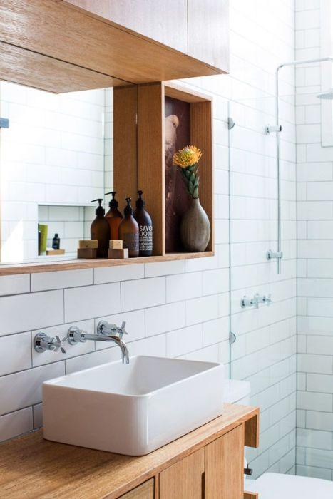 Bathroom makeover inspiration -- Plaster & Disaster