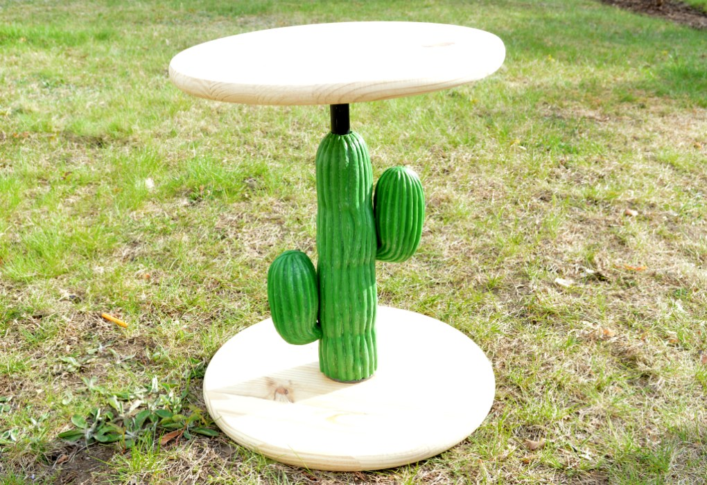 Turning a thrift store plastic cactus into a chic side table - the table structure - Plaster & Disaster