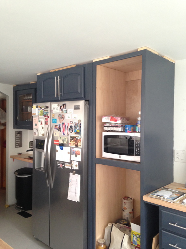 Painting kitchen cabinets -- Plaster & Disaster