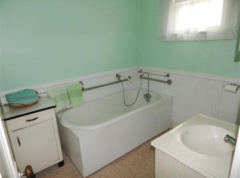 A Half Bath Makeover For 5 Plaster Disaster