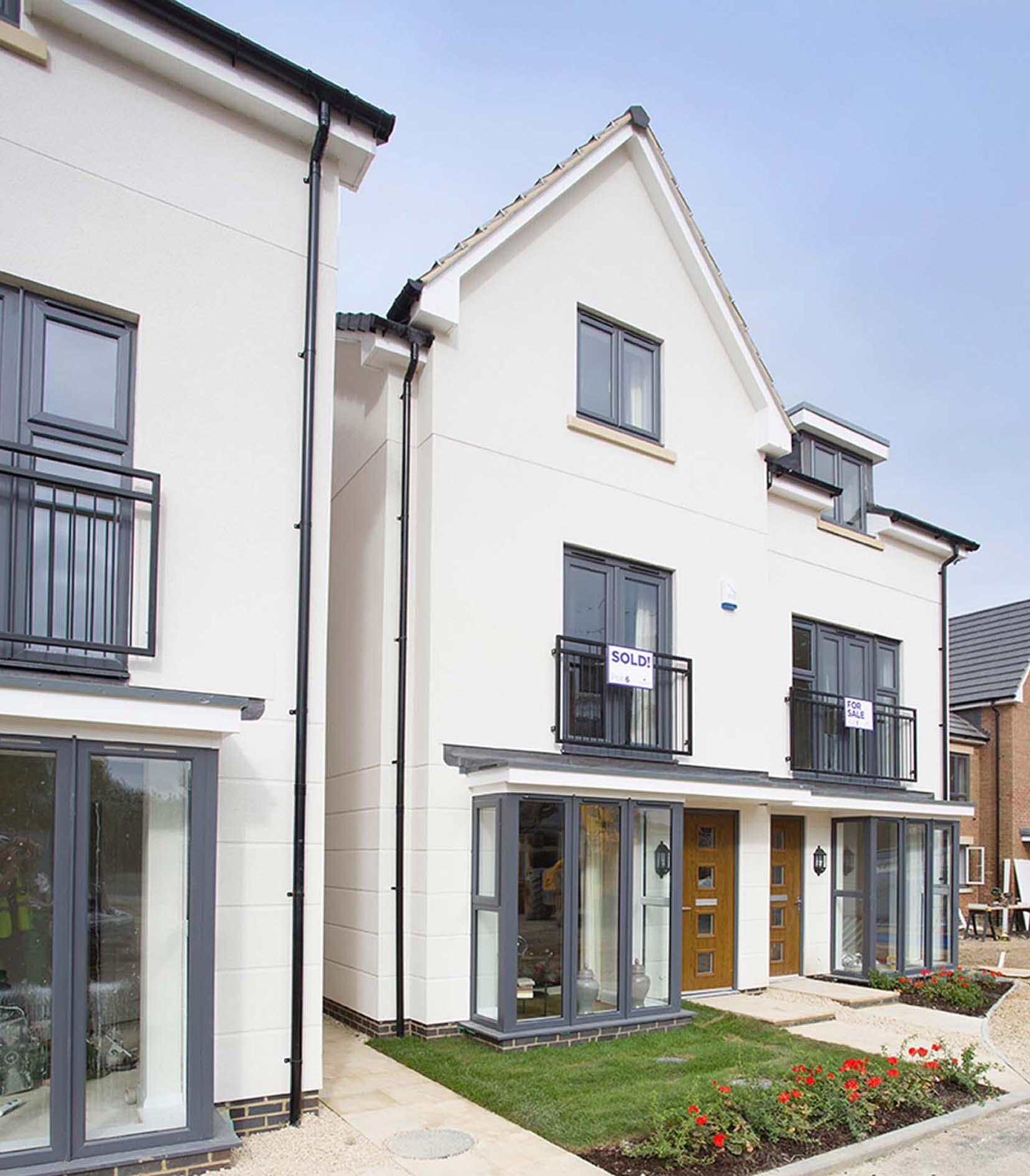 Modern Designer Homes With Smart Render Finish