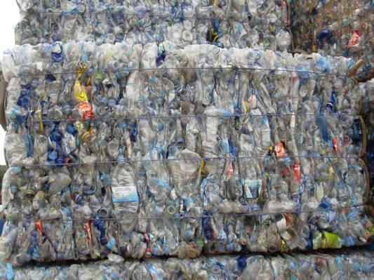 Πλαστικές πρώτες ύλες ΔΕΜΑΤΑ ΠΡΟΣ ΑΝΑΚΥΚΛΩΣΗ