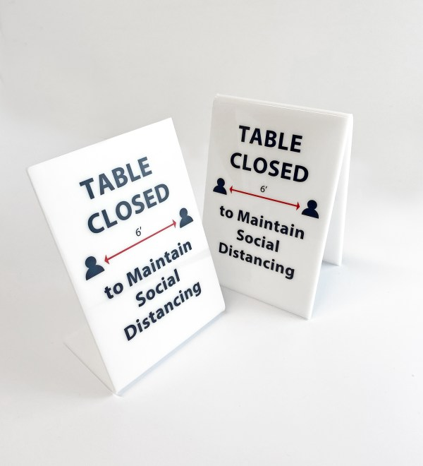 Table closed acrylic sign