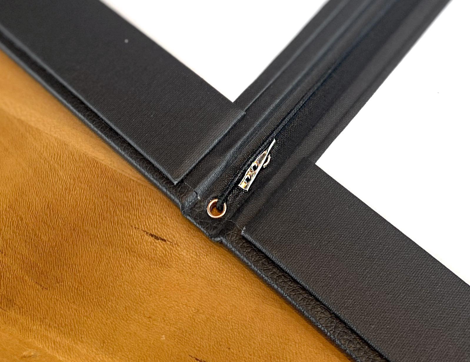 Elastic string page holder