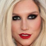 Kesha Plastic Surgery – Butt, Nose & Boob Job