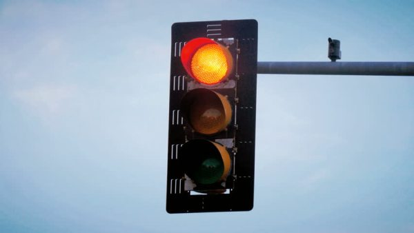 Wait For A Traffic Light To Fix Your Brow