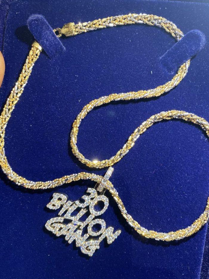 Davido Gifts Zlatan Ibile ,000 Necklace In Dubai