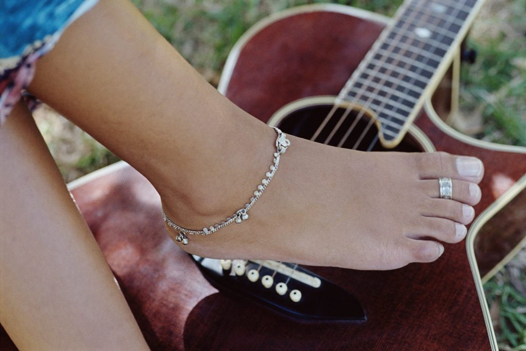 All You Should Know About Toe Rings. Will You Wear One?