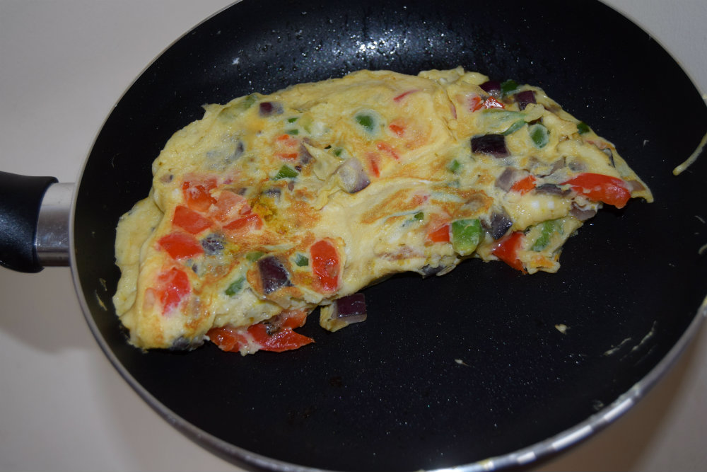Learn How To Make Nutritious Vegetable Omelette This Weekend
