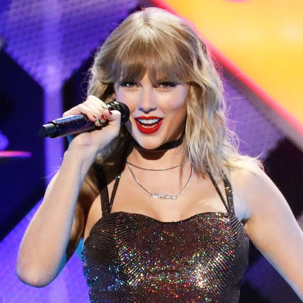 Taylor Swift Surpasses Whitney Houston's Number One Record On Billboard 200