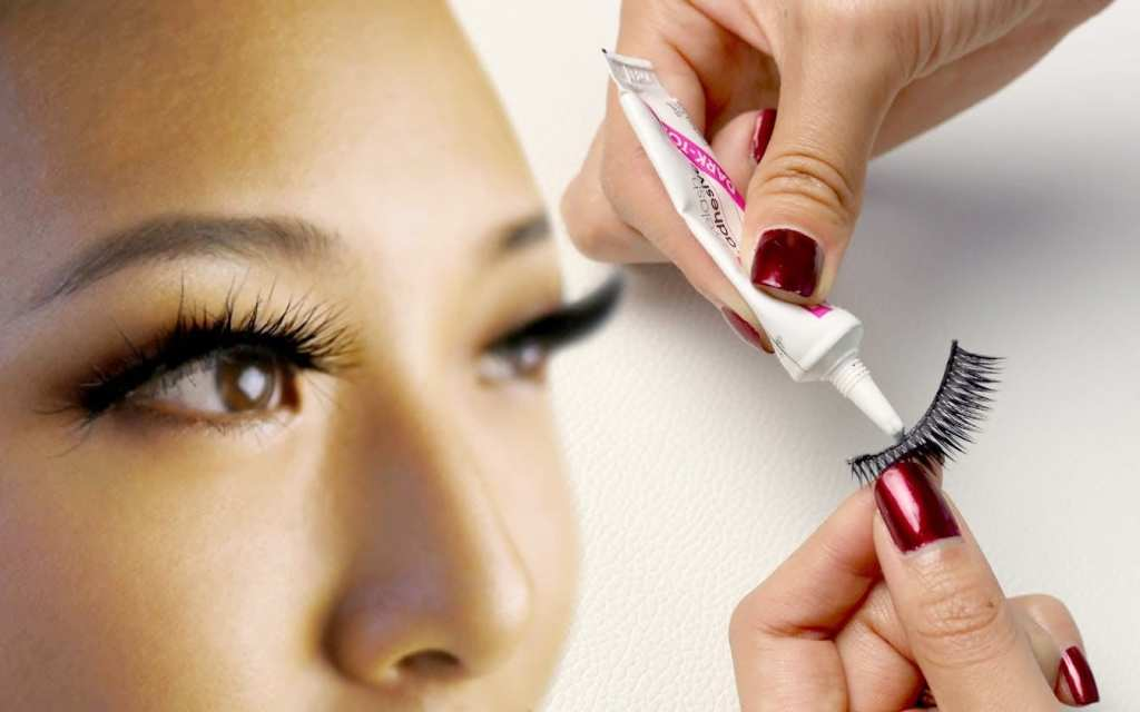 DIY : Simple Steps To Fix Your False Eyelashes When It Keeps Falling Off