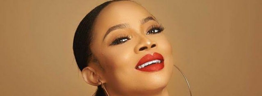 Toke Makinwa Reacts To Backlash After Weighing In On Kelly Clarkson's Divorce