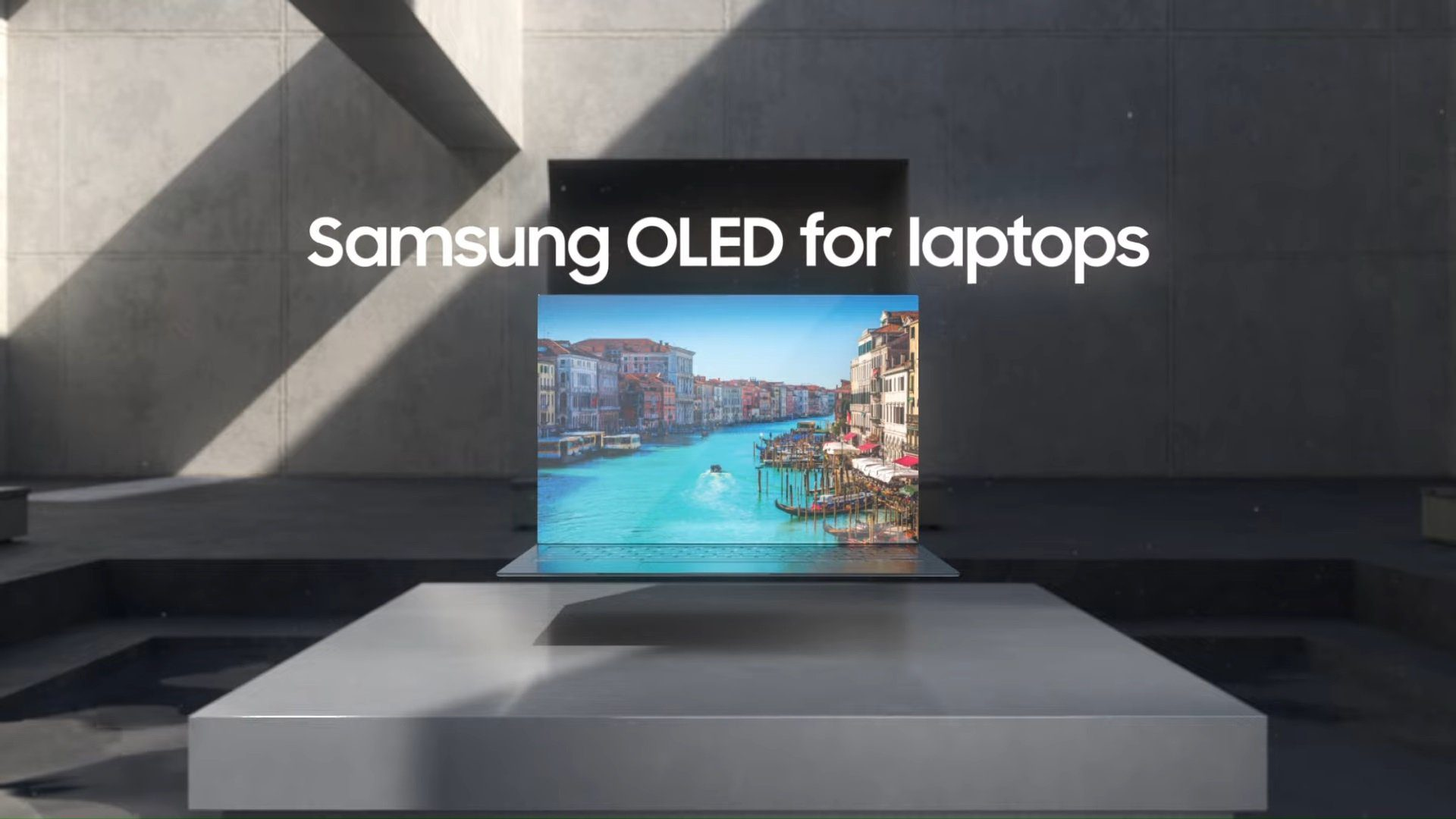 Samsung Is Mass Producing Its In-House 90Hz OLED Laptop Screens