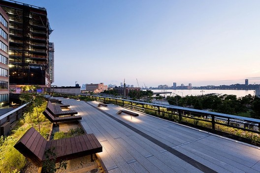 https://vanguarq.wordpress.com/2009/06/22/new-york-high-line-abre-al-publico/