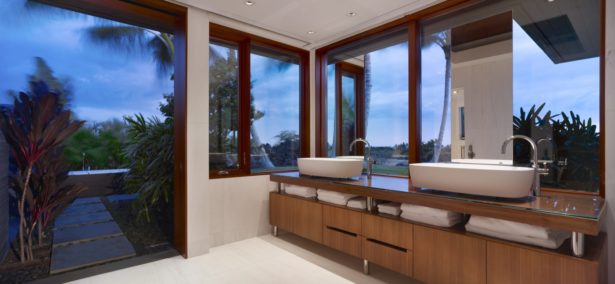 Residence Kona, Belzberg Architects, Hawaï, Salle de bain