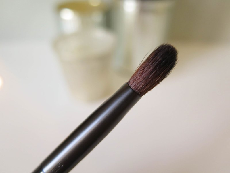 nyx-pro-all-over-closeup-side