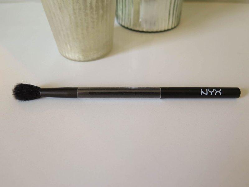 nyx-pro-crease-wide