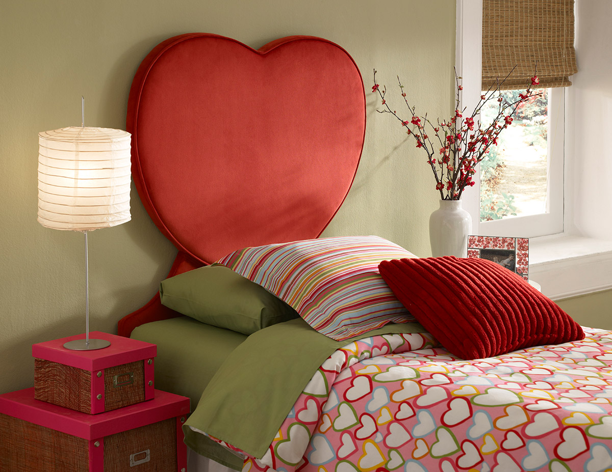 Valentine Twin Platform Bed