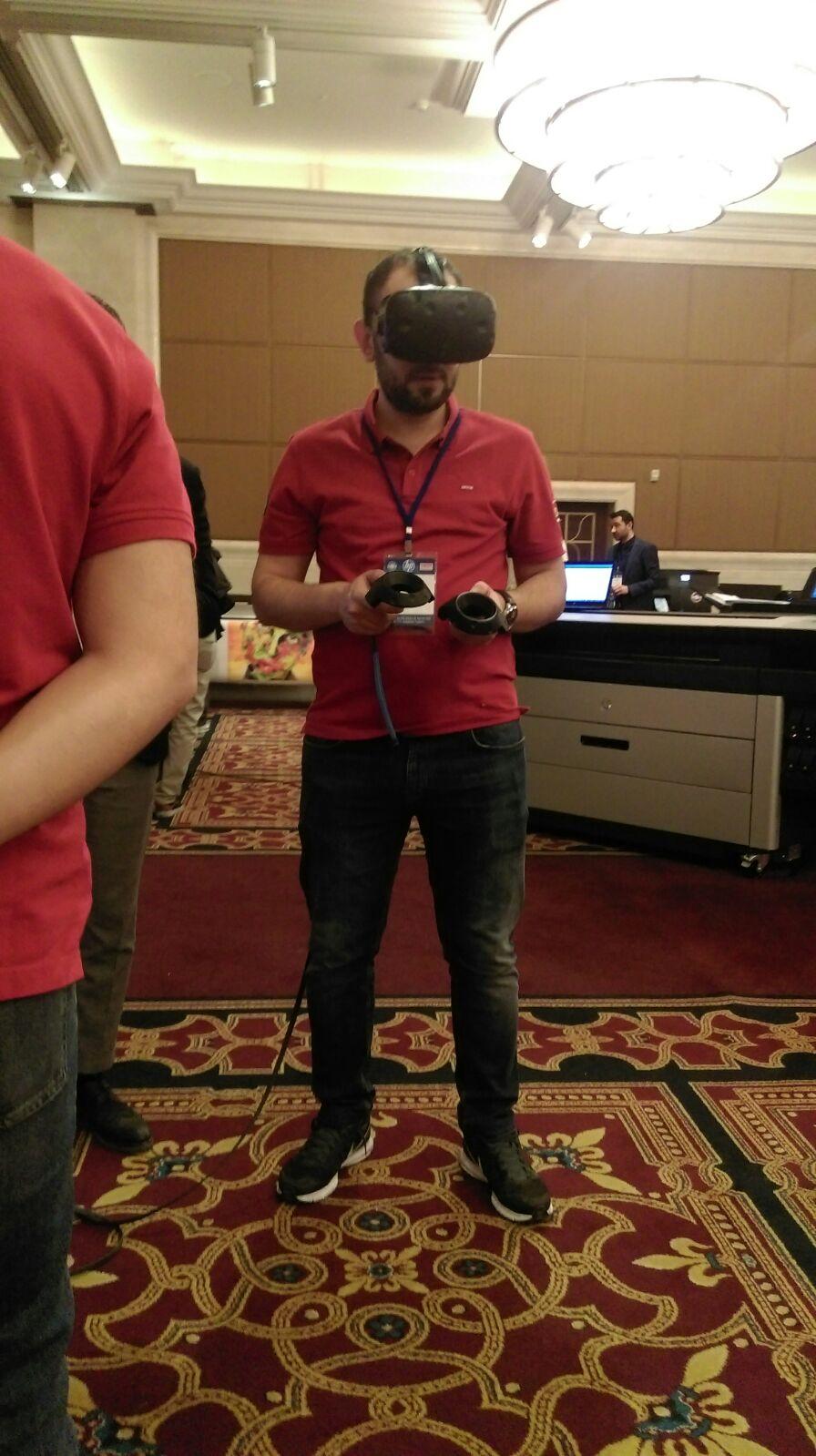 Etkinliğimizde yoğun ilgi gören Z VR, sanal gerçeklik için üretilmiş taşınabilir iş istasyonu.