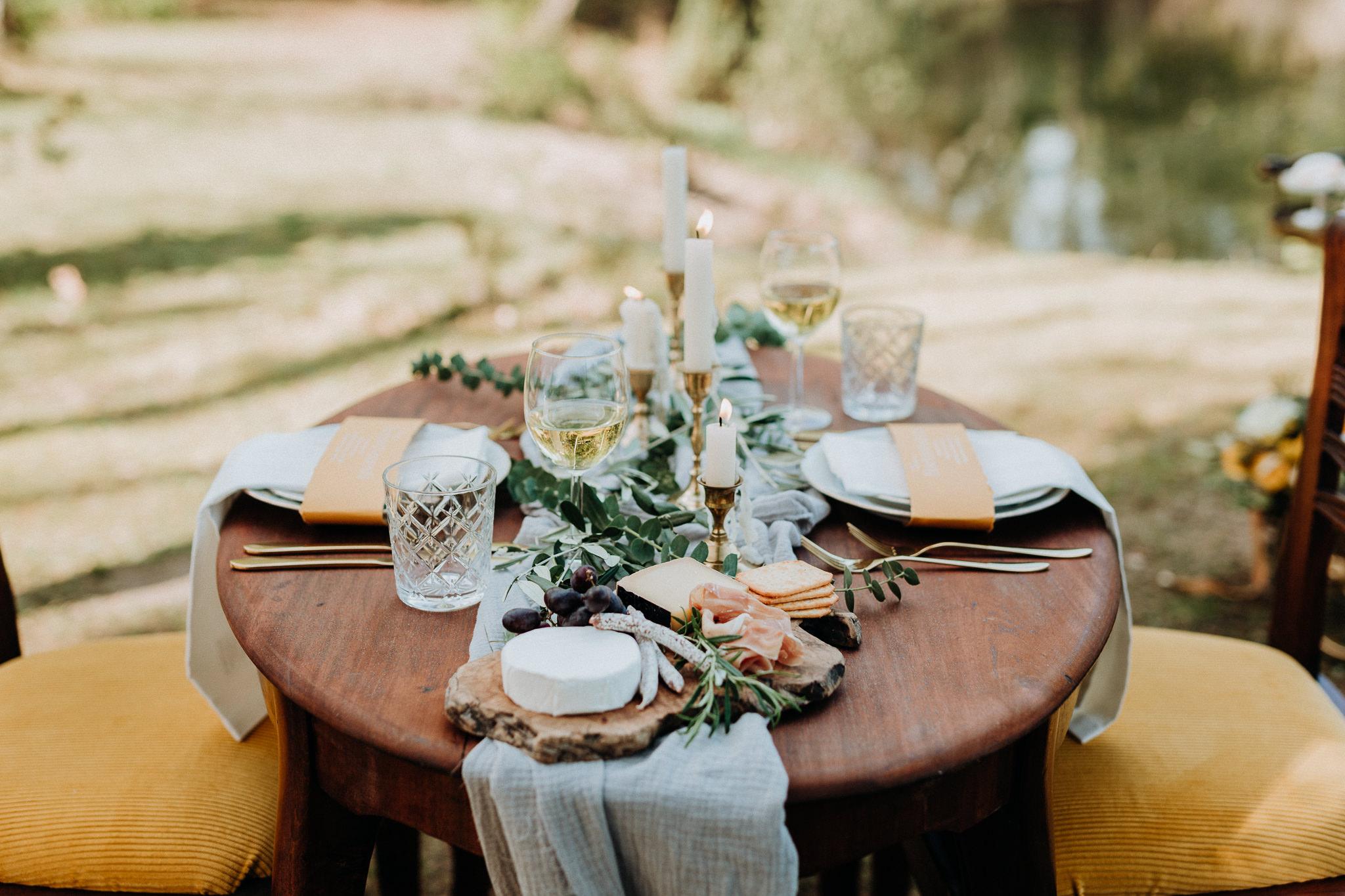 Brautpaar Vintage gelb Hochzeit Tischdeko