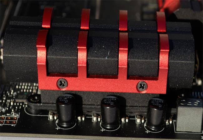 MSI Z97 GAMING 7 Close Dragon Claw Heatsink Screws