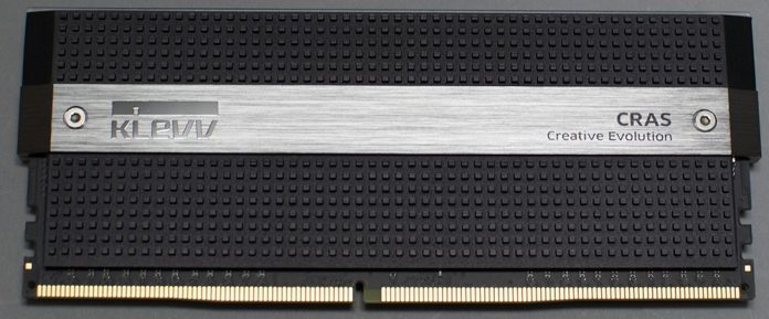 KLEVV CRAS 3000MHz 16GB DDR4 Memory Kit Review 5