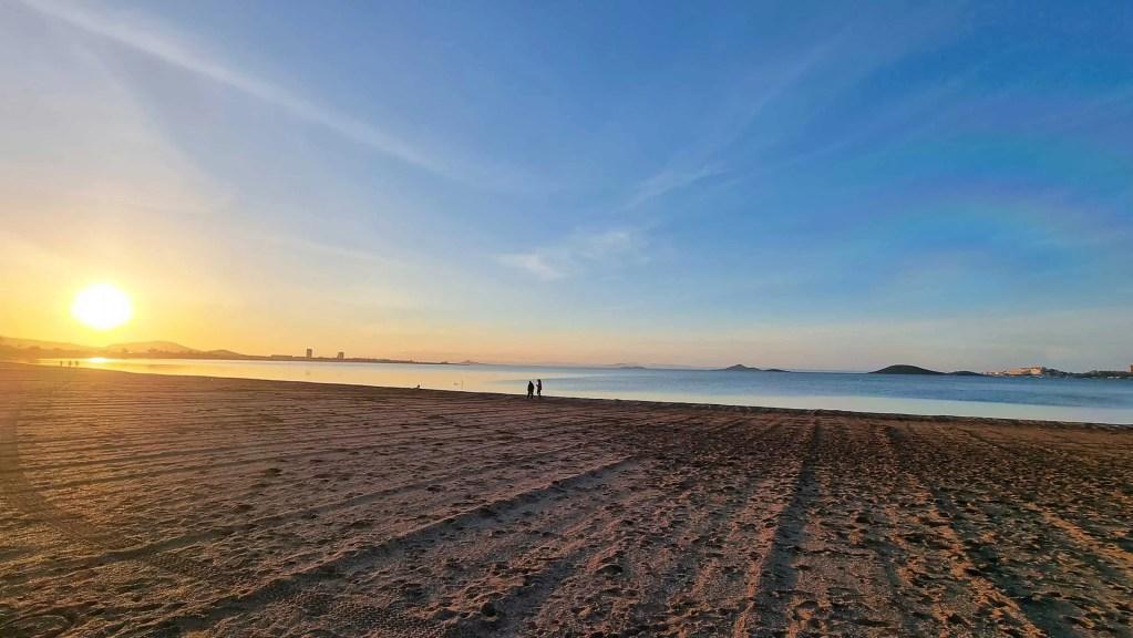 Paseo con puesto de sol en Playa Honda marzo 2021