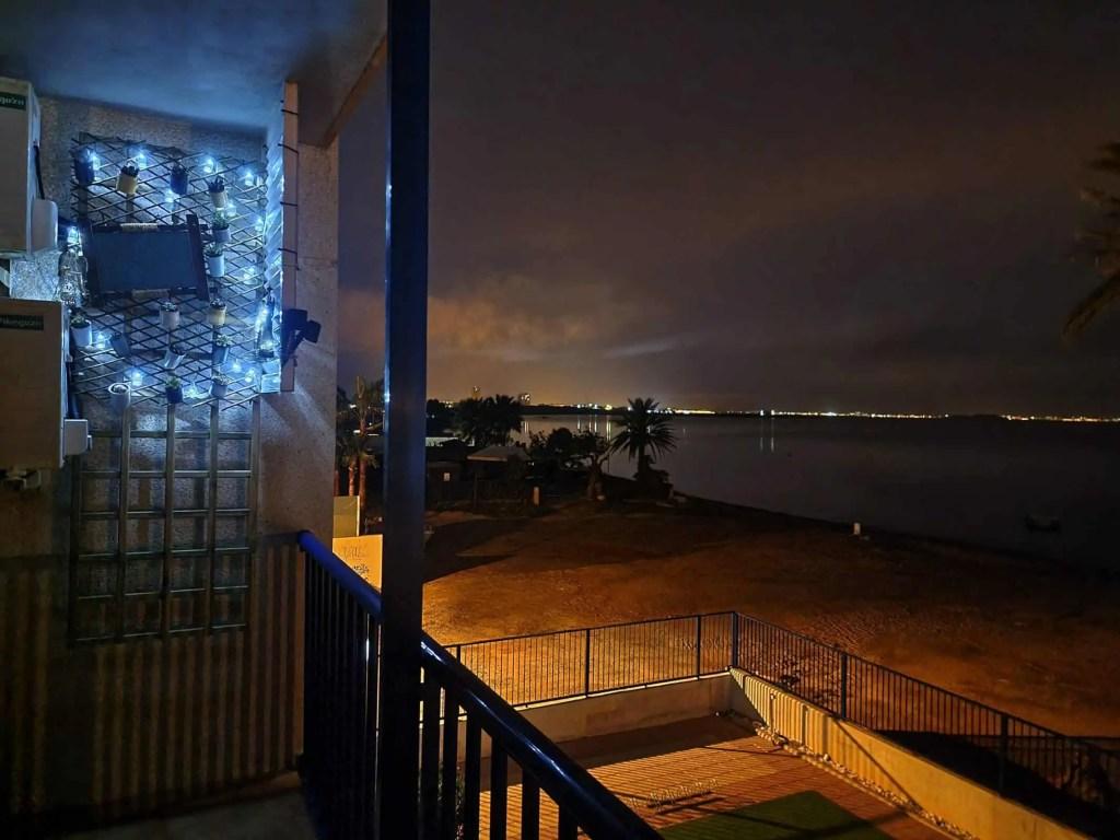 Una noche de paz desde tu balcón